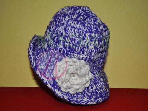 Háčkovaný klobouk