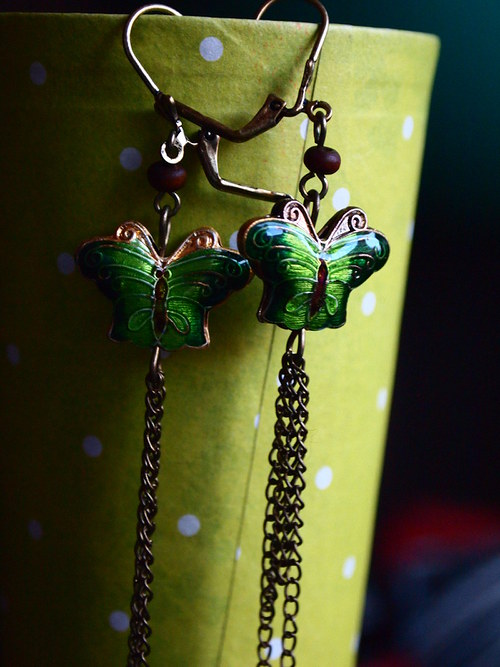Cloisonné motýlci