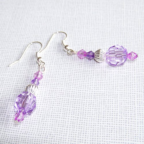 Náušnice fialové jehlánky akrylky