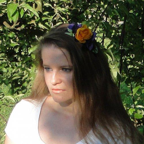 Čelenka květinová