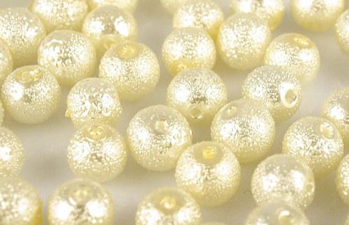 Zvrásněné perly průměr 6mm 20 ks barva smetanová