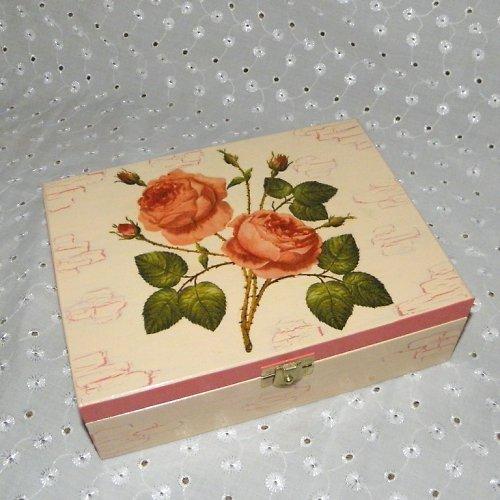 Krabička na čaj s růžemi