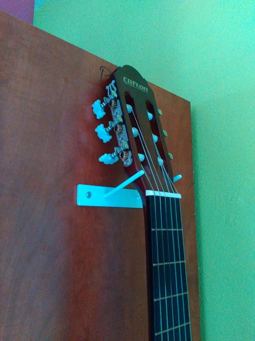 Držák kytary
