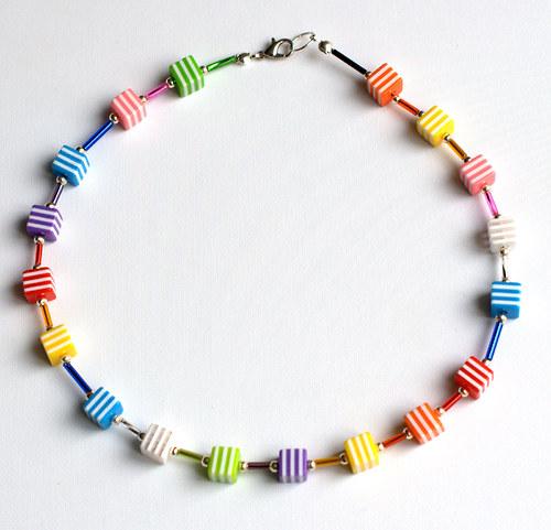 kostičkový náhrdelník pro malé parádnice
