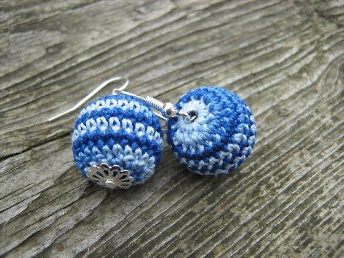 háčkované naušnice- modrý melír