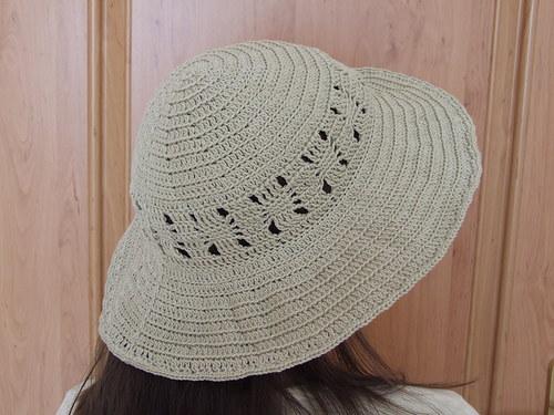 967513477fc dámský háčkovaný klobouk se širokou krempou -návod