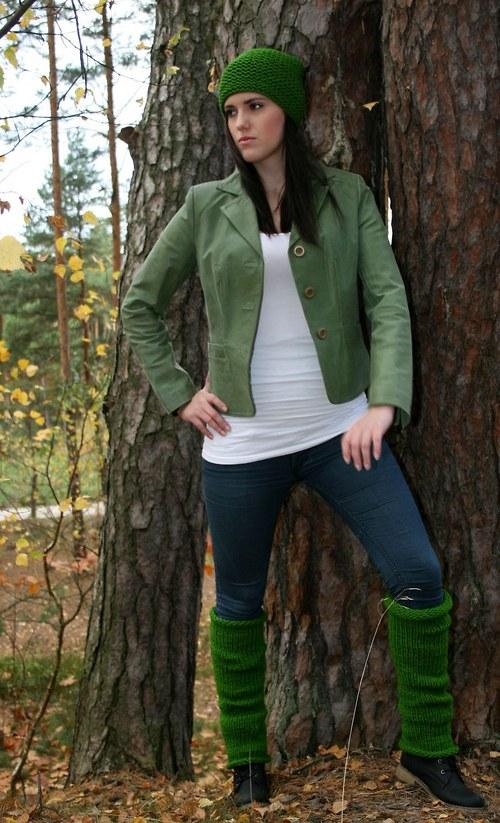 Zelený pletený set hučka s bambulí +návleky
