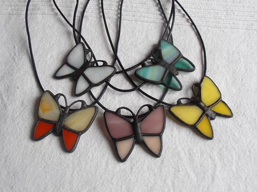 Jarní motýlci (náhrdelník)