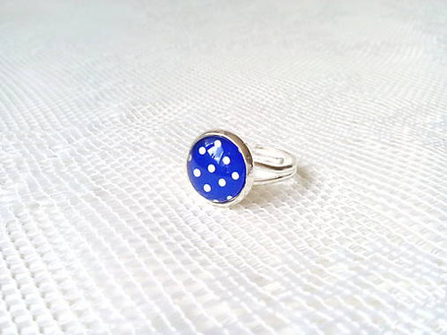 Pin Up ring (blue/white dots)