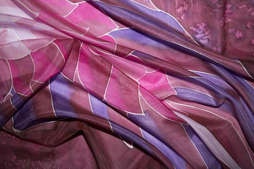 Růžový andělský šátek