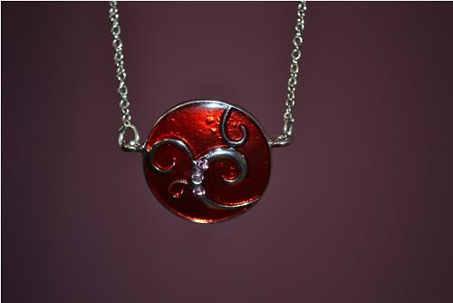 náhrdelník - s červenou ..