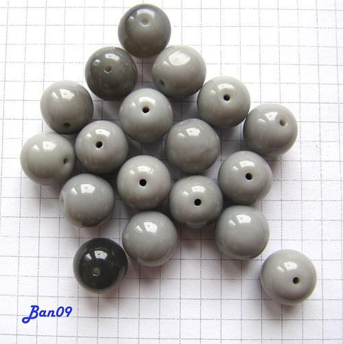 Šedé kuličky 12 mm