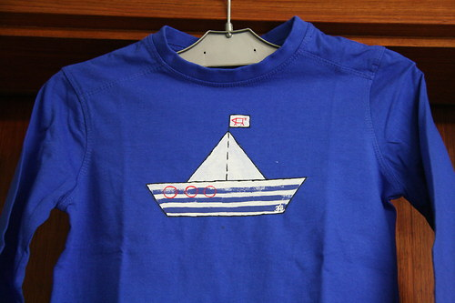 Triko modré s lodičkou
