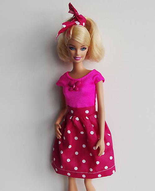 Retro bodkovaná ružová sukňa pre Barbie