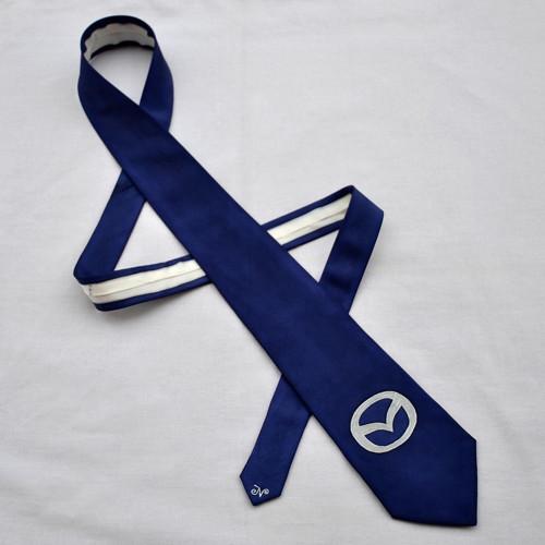 Modrá hedvábná kravata Mazda
