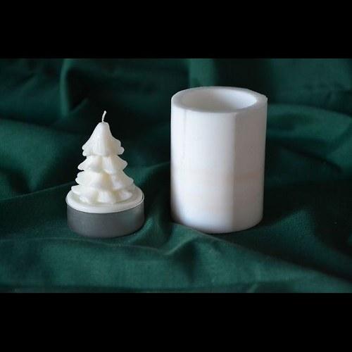 Silikonová. forma na čaj. svíčku - Stromeček