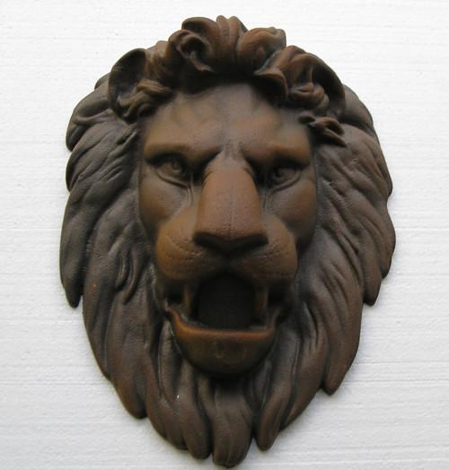 Lví hlava - odlitek o váze 11 kg