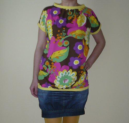 Letní květované tričko