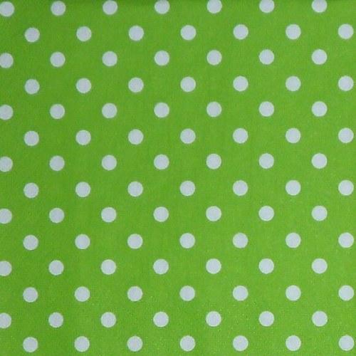 Bílé puntíky na zelené