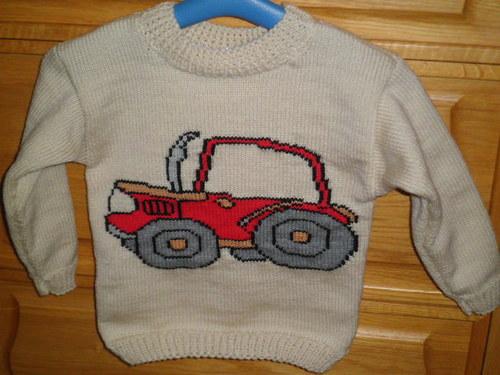 Dětský svetr s traktorem