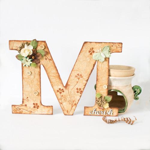 Písmeno M s vidieckym nádychom - ozdobné iniciály