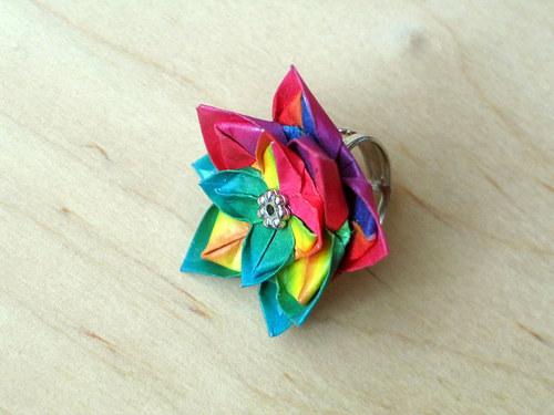 Kytičkově barevný prsten