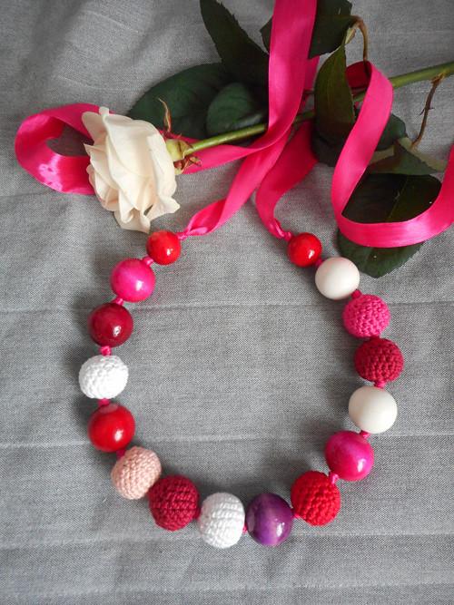 Růžových řůží