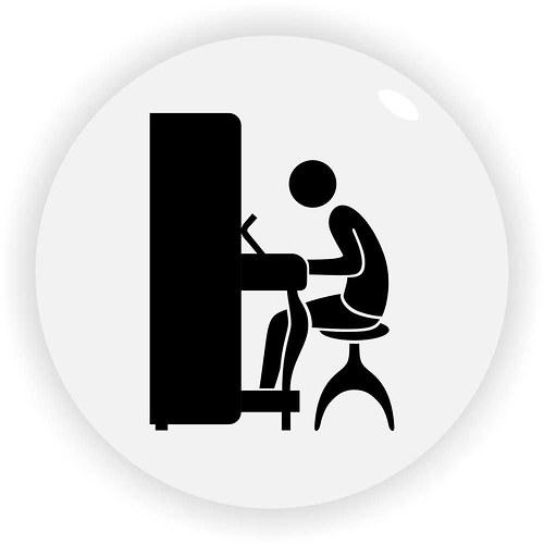 Magnetka hráč na klavír
