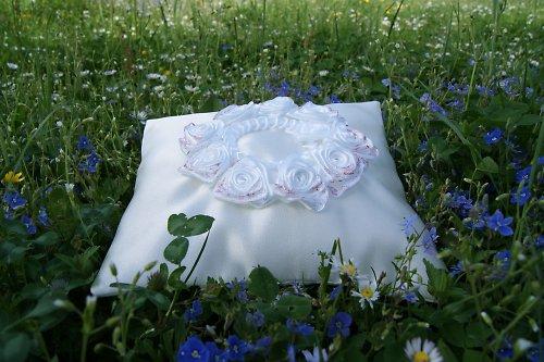 Svatební polštářky na snubní prstýnky