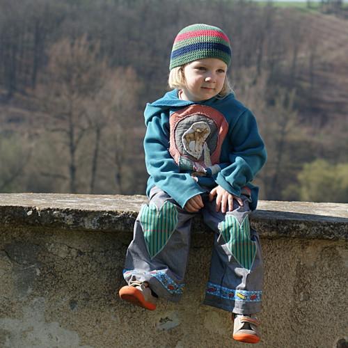 ...od narození jsem hipík X vel. cca 3-4 roky