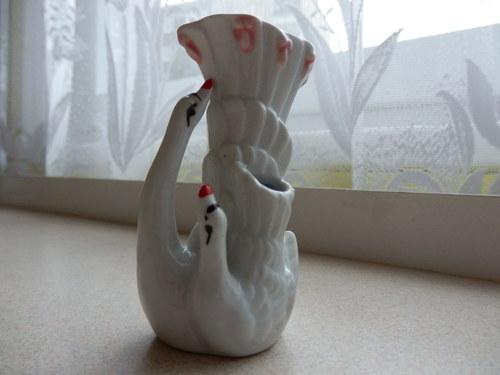 Vázička porcelánová, labuť