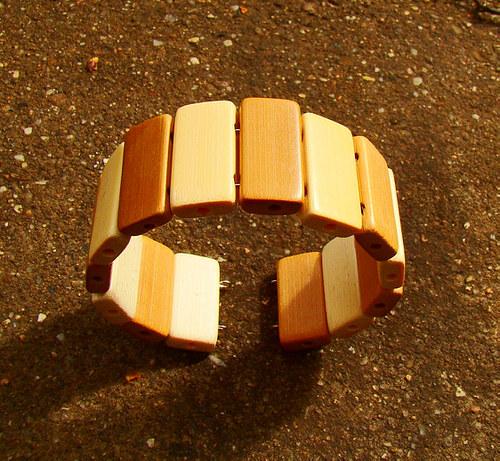 náramek dřevěný