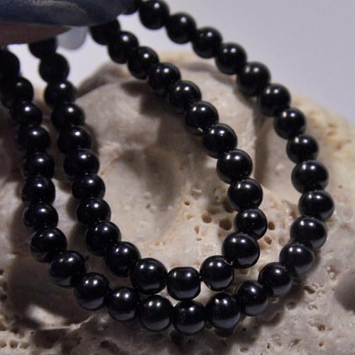 39. Voskové perle 4 mm/30ks/ černá