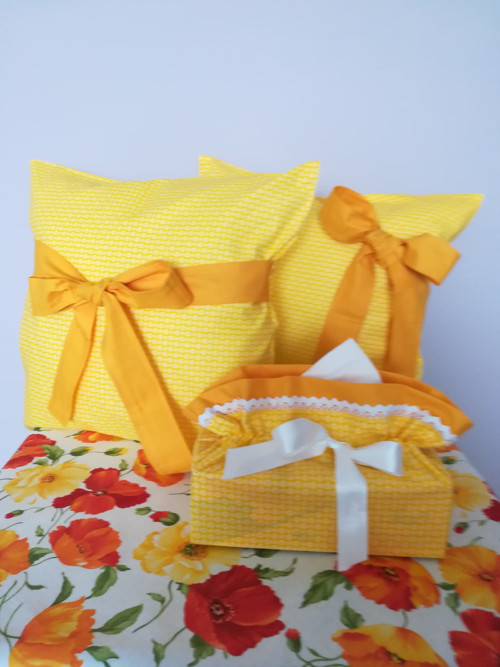 Povlak : Bílé květinky na žluté s mašlí