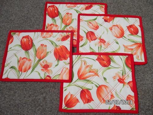 Tulipánkové jarní prostírání