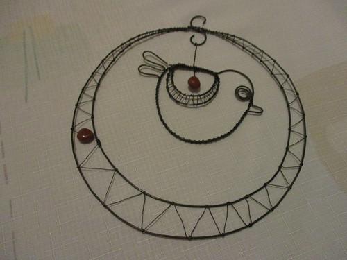 Ptáček v kruhu - hnědý