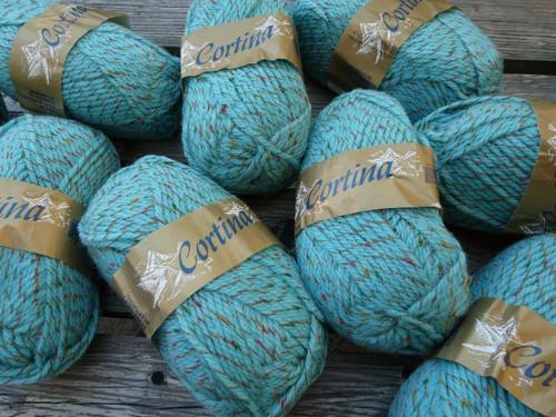 Tyrkysová s barevným vláknem