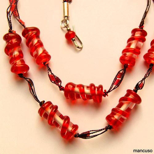 Červené válce náhrdelník