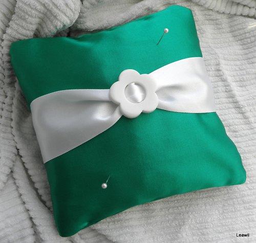 Polštářek pod prstýnky retro zelený s kytí
