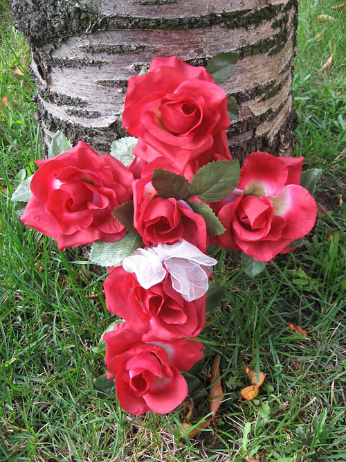 Kříž z růží