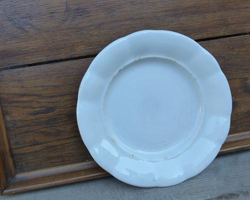 Starý selský silnostěnný talíř