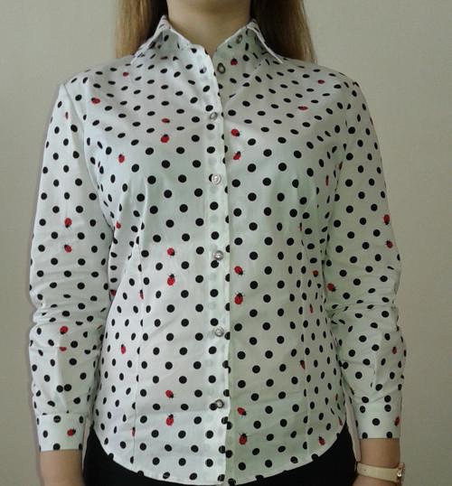 Košile s puntíky