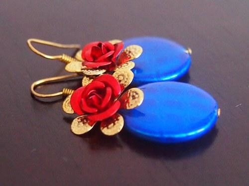 Růže v modrém