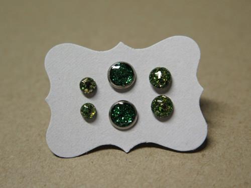 Zelené pecičky z chirurgické oceli