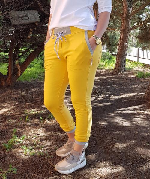 Žluté elastické tepláky