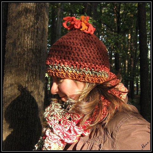 Háčkovaná čepice s chocholkou