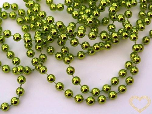 Zelené metalické korálky Ø 6 mm - řetěz