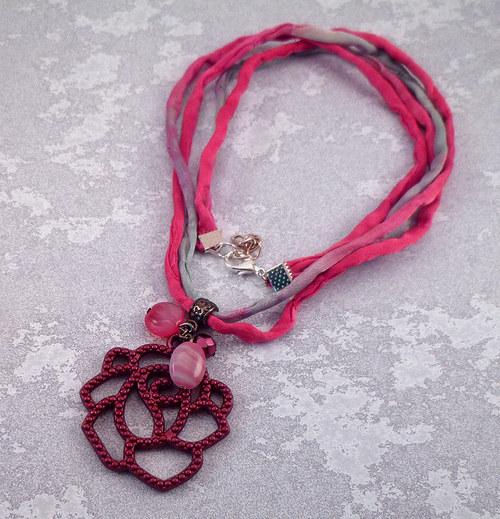 náhrdelník s vínovou růží
