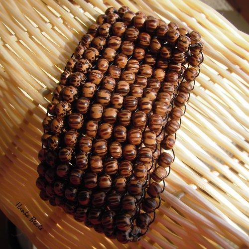 náramek z palmového dřeva