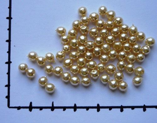 Perličky skleněné voskované smetanové 4mm, 36ks